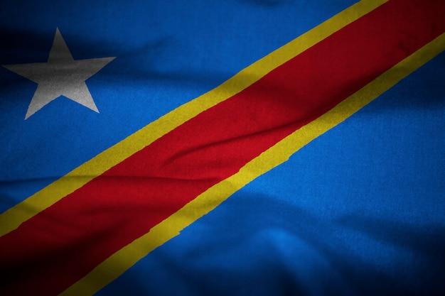 Gekräuselte flagge der demokratischen republik kongo im wind