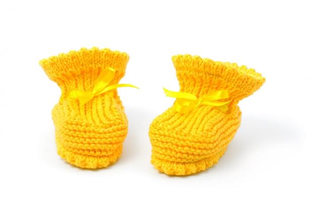 Gelbe babyschuhe