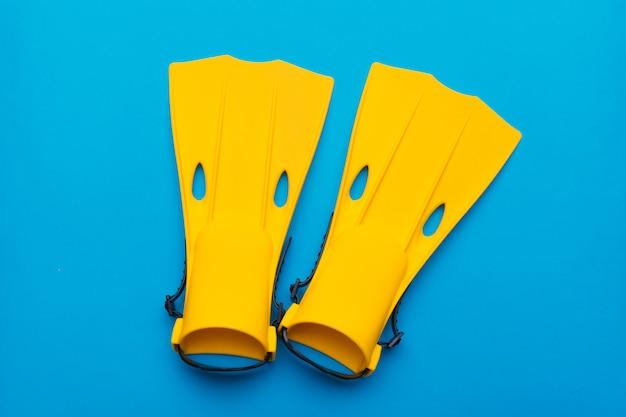 Gelbe schwimmflossen