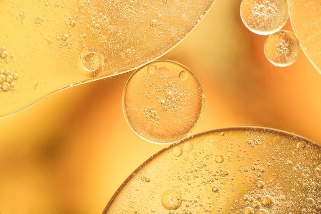 Gelbe verschiedene luftblasenbeschaffenheit