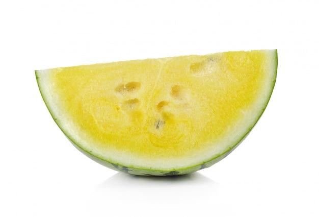 Gelbe wassermelone lokalisiert auf weiß
