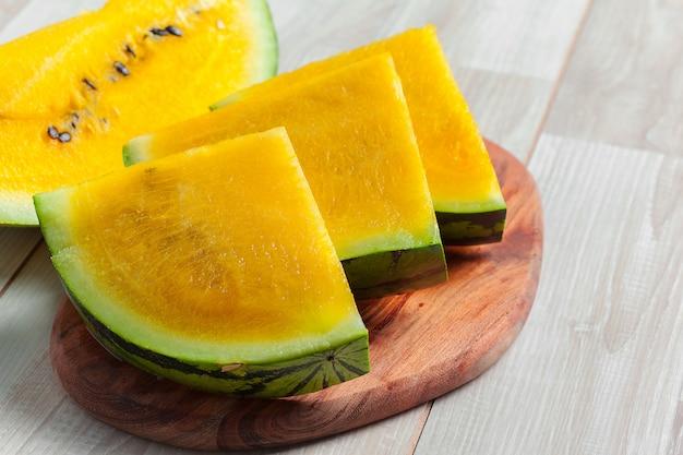 Gelbe wassermelonenscheiben