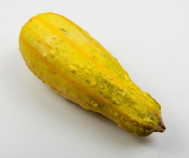 Gelbe zucchini oder kürbis