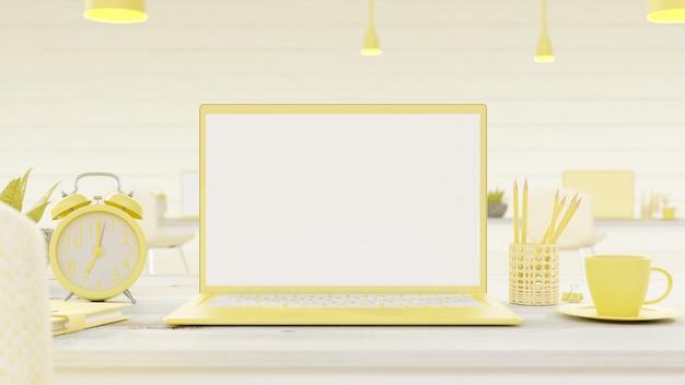 Gelber laptop auf schreibtisch.