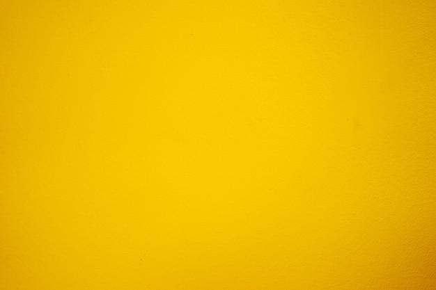 Gelber zementboden, helle schattenfarbe.