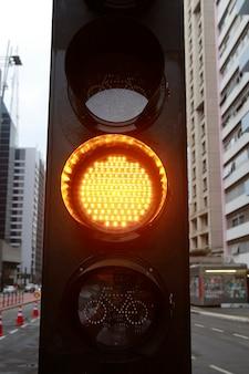Gelbes licht für fahrrad