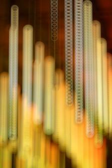 Gelbes licht mit bokeh-effekt