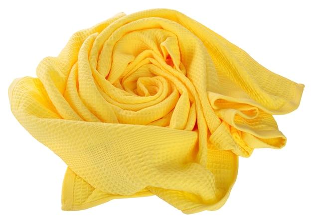 Gelbes waffeltuch gefaltet in der form von rosen auf weißem hintergrund