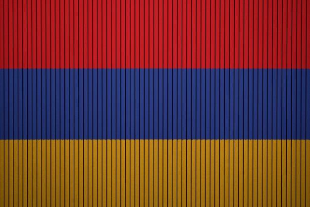 Gemalte staatsflagge von armenien auf einer betonmauer