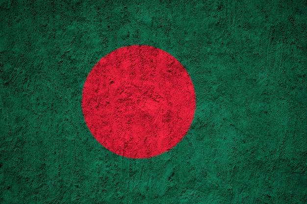 Gemalte staatsflagge von bangladesch auf einer betonmauer