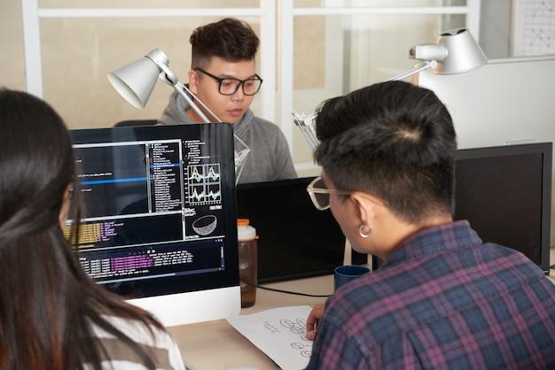 Gemeinsame arbeit talentierter programmierer