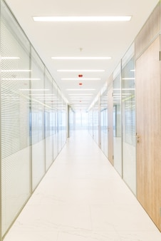 Gemeinsames bürogebäude innenraum