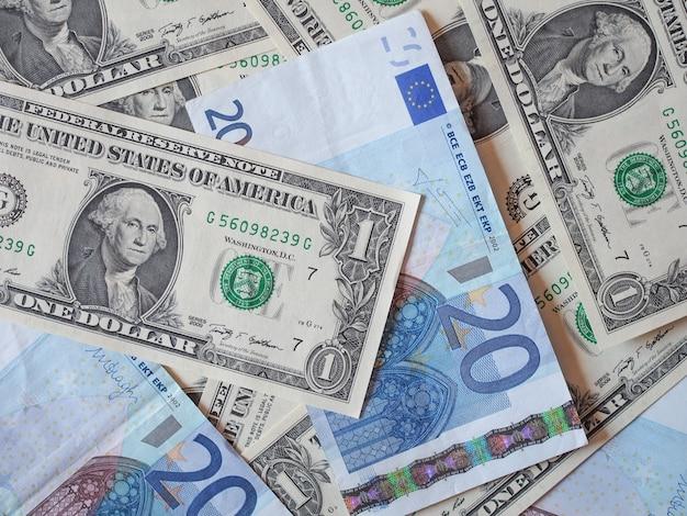 Gemischte dollar- und euro-banknoten
