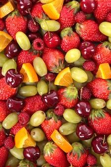 Gemischte früchte im sommer hintergrund