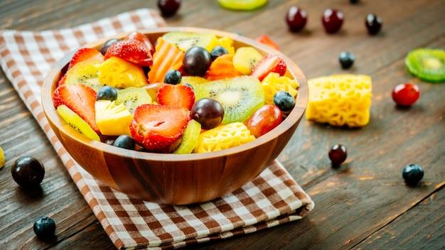 Gemischte und sortierte früchte