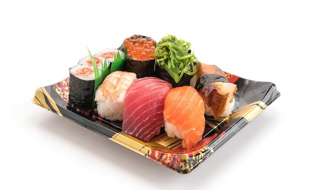 Gemischtes sushi-set - japanisches essen