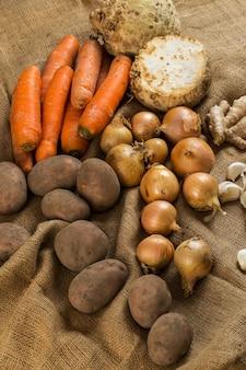 Gemüse auf decke