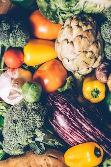 Gemüse, beste biolebensmittel, radieschen, zwiebeln, knoblauch, paprika, kohl, broccoli.