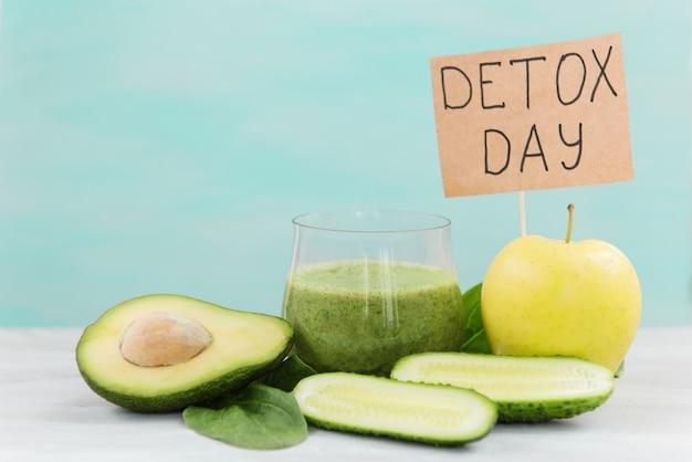 Gemüse für entgiftung und gewichtsverlust grüne smoothies avocado