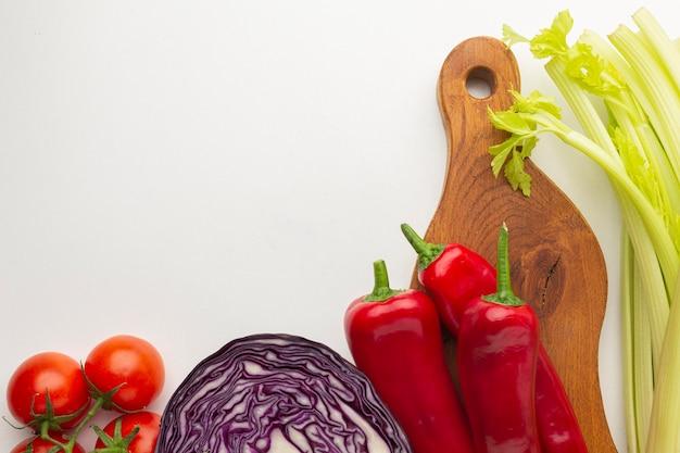 Gemüseanordnung flach liegen