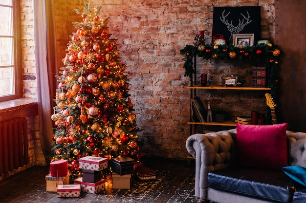 Gemütliche wohnung zu weihnachten eingerichtet