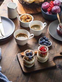 Gemütliches frühstück essen konzept