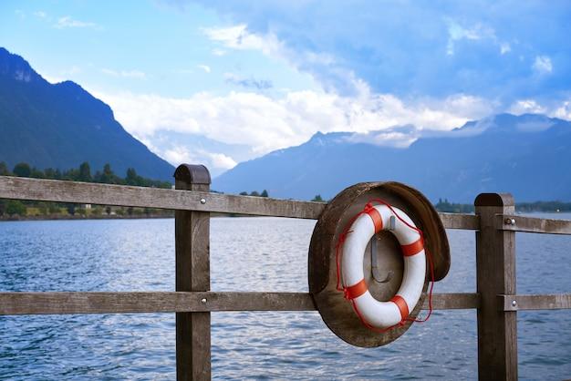 Geneve lake leman genf rettungsring schweiz