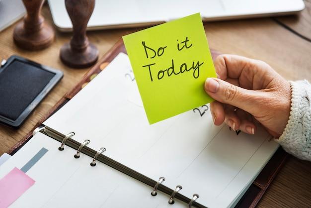 Genieße das leben daily planner konzept