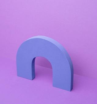 Geometrische form auf dem schreibtisch