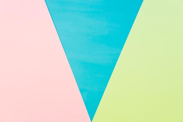 Geometrischer hintergrund mit dreieckiger form