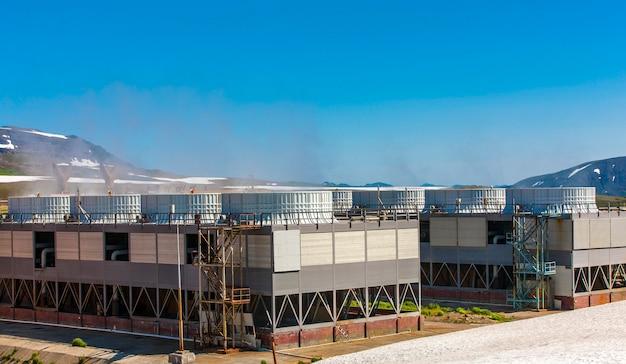 Geothermiekraftwerk auf dem mutnovsky-vulkan