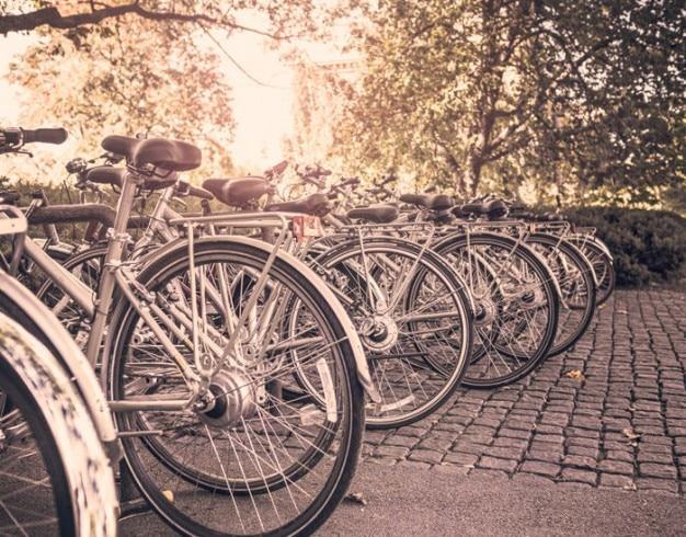 Geparkte fahrräder