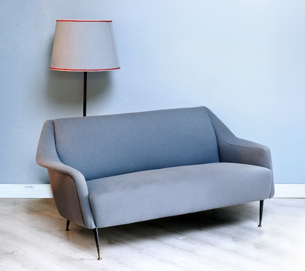 Gepolstertes graues sofa aus den fünfzigern