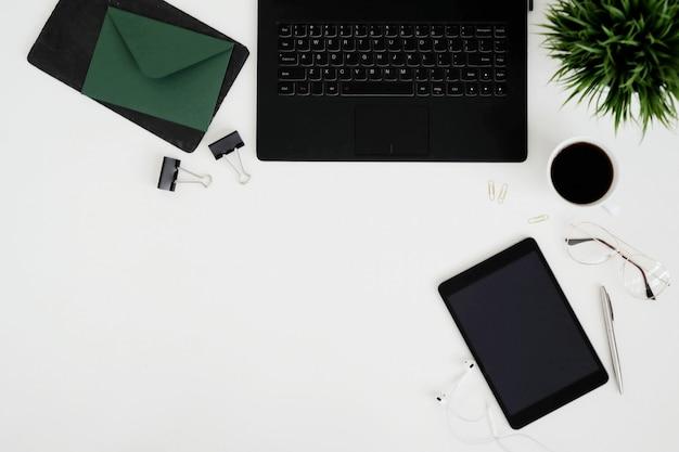 Geräte und büromaterial