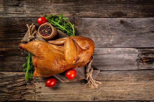 Geräucherte ganze hühnchen türkische küche