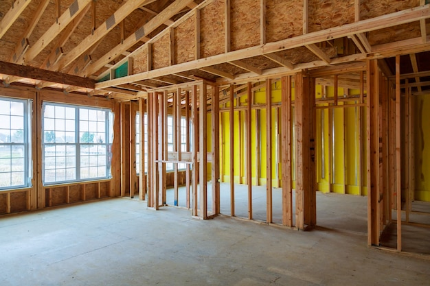 Gerahmtes gebäude oder wohnhaus mit grundausstattung
