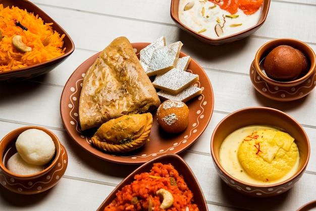 Geröstete split kichererbsen daliya / dalia oder chana dal ist ein beliebter gesunder snack am straßenrand aus indien