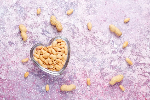 Gesalzene geröstete erdnüsse
