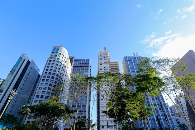 Gesamtansicht der gebäude in der paulista avenue