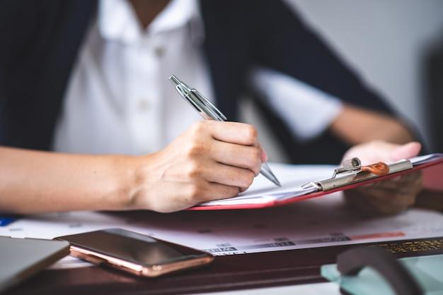 Geschäft genehmigte stempel-, erlaubnisdokument- und zertifikatkonzept