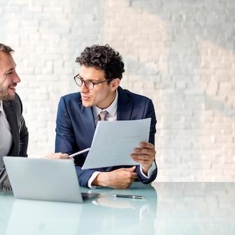 Geschäfts-brainstorming-diagramm-diagramm-berichts-daten-konzept