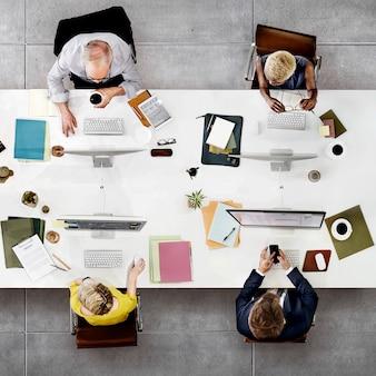 Geschäfts-team meeting connection-digitaltechnik-konzept
