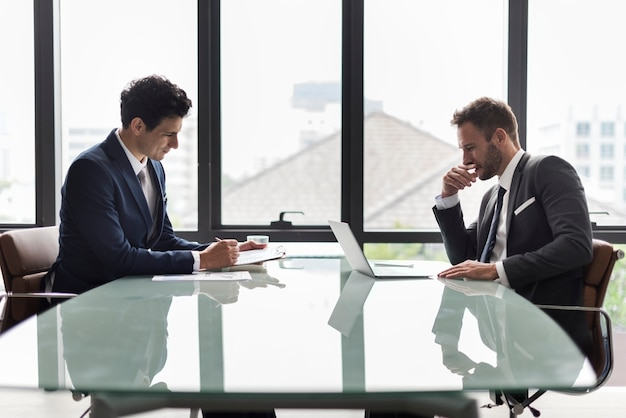 Geschäfts-unternehmenskollegen-mitarbeiter job concept