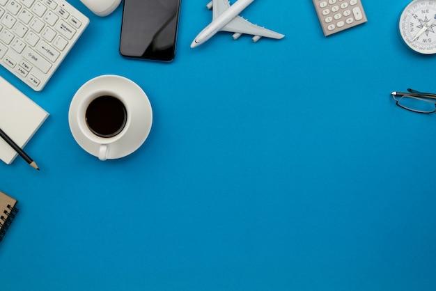 Geschäftsarbeitsplatz und geschäftsobjekte mit kopierraum