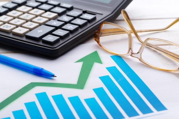 Geschäftsdiagramm, das finanziellen erfolg zeigt