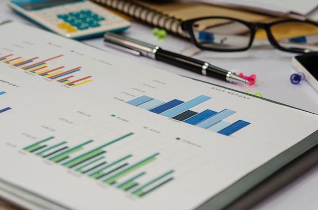 Geschäftsdiagramm und -diagramm