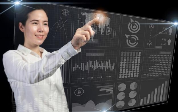 Geschäftsentwicklung zum erfolg und zur planung, geschäftsfrau, die virtuelle weltkarte und berichtsdiagramm zeigt.
