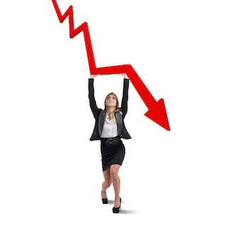 Geschäftsfrau arbeitet, um die krise zu vermeiden