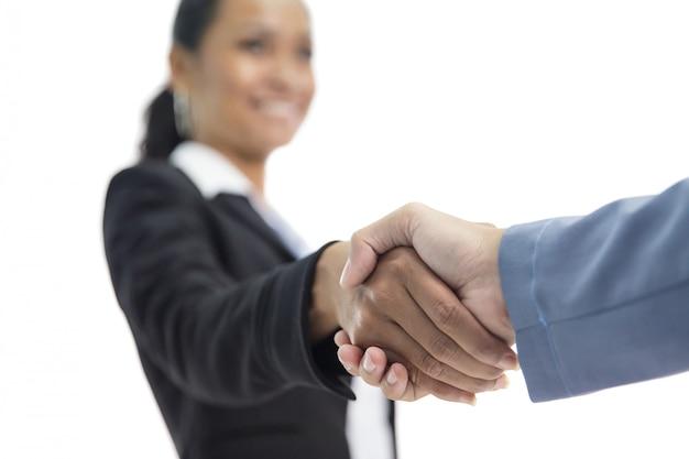Geschäftsfrau hände händeschütteln mit ihrem jobpartner