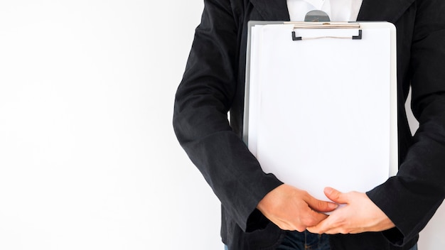 Geschäftsfrau mit einem dokument